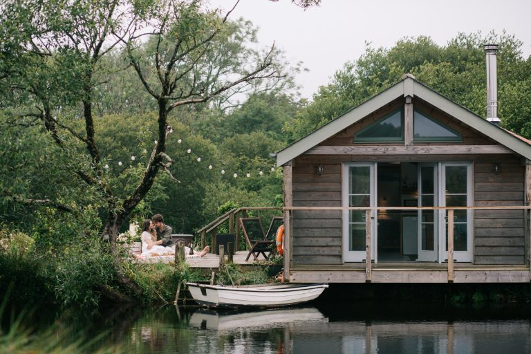lakeside cabin for small weddings in Cornwall